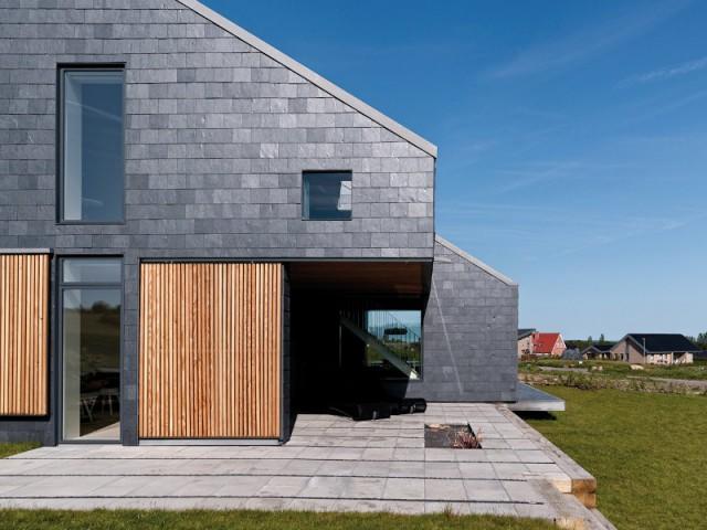 Une façade en tuiles d'ardoise pour une maison au style industriel - Embellir l'extérieur de sa maison