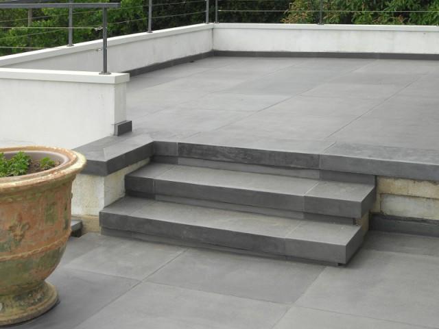 Des épaisseurs de dalles bien étudiées - Rénovation d'abords de piscine et terrasses