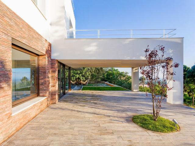 Une terrasse, cinquième pièce de la maison - Courtyard House in Trapani by Studio 4e
