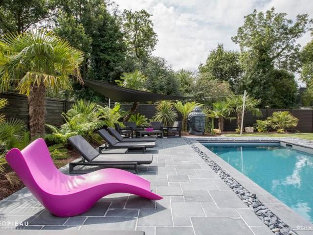 plong e dans une piscine zen en bretagne. Black Bedroom Furniture Sets. Home Design Ideas