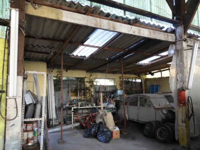 Des poutres en mauvais état - Un ancien hangar transformé en maison bois à Argentueil