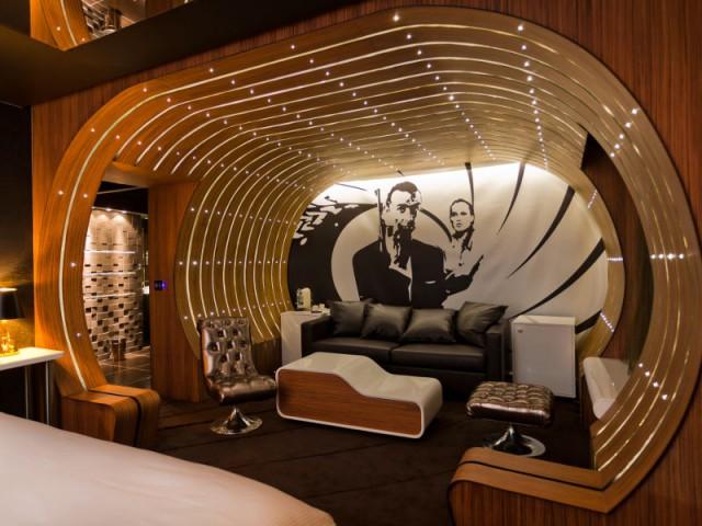 Une suite dédiée aussi au cinéma - Suite 007