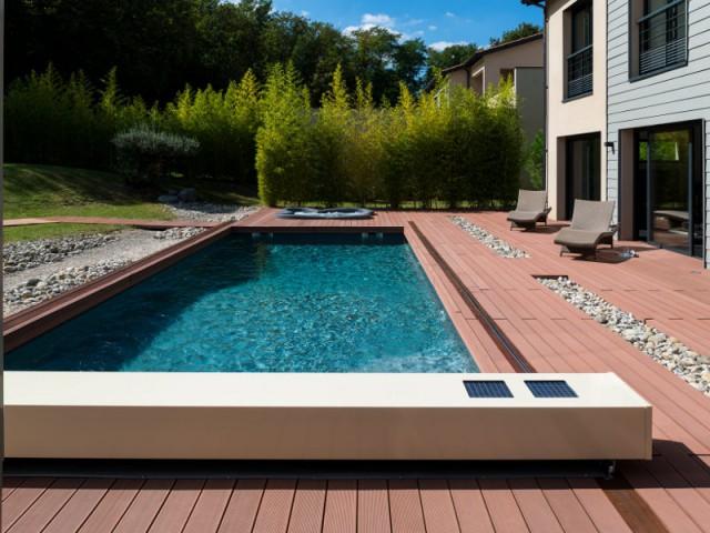 une piscine s curis e dans la plus grande discr tion. Black Bedroom Furniture Sets. Home Design Ideas