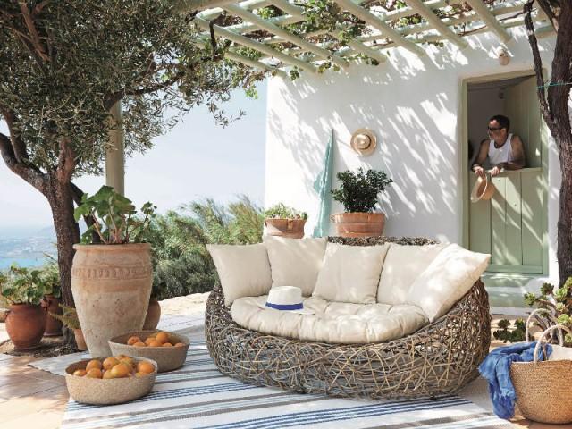 Un canapé large et accueillant comme un nid d'oiseaux - Assise outdoor