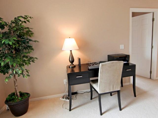 Projet 1 : un bureau de 12 m2 entièrement cloisonné, pour les petits budgets - Un bureau chez soi