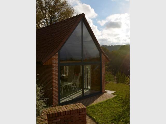 Une façade vitrée de 12 m2 pour une architecture contemporaine - Un pignon vitré pour rénover une dépendance