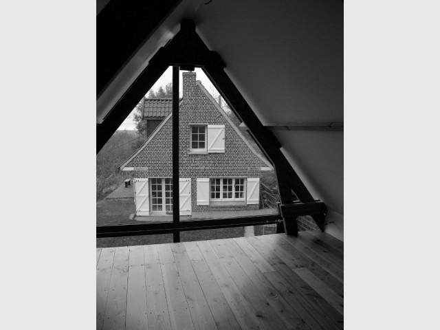 Une mezzanine pour l'espace nuit des enfants - Un pignon vitré pour rénover une dépendance