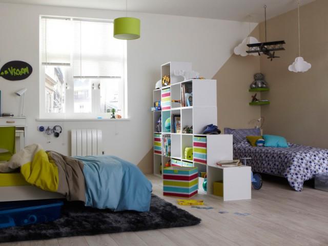 Diviser une chambre en deux grâce à une bibliothèque  - Une chambre d'enfants pour deux ou plus
