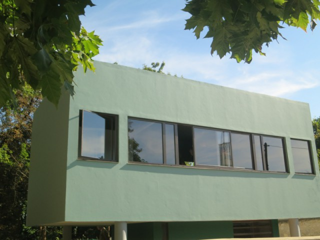 Une loge à laquelle ont été appliqués les principes architecturaux de Le Corbusier - La Maison du Jardinier de Le Corbusier