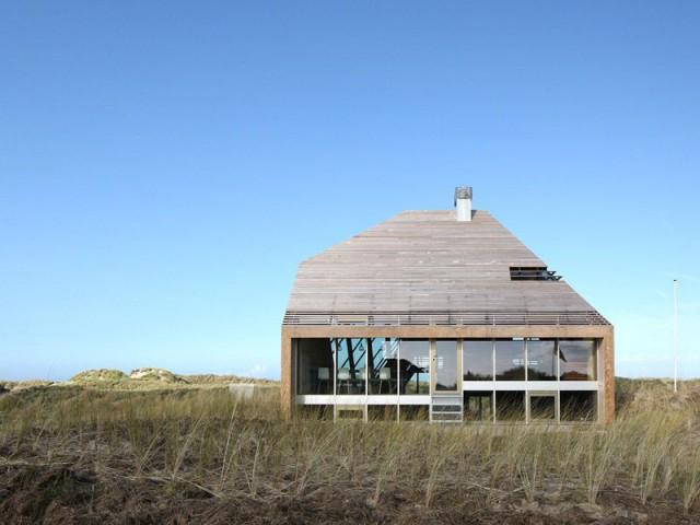 Une maison implantée dans un environnement particulier - Dune House