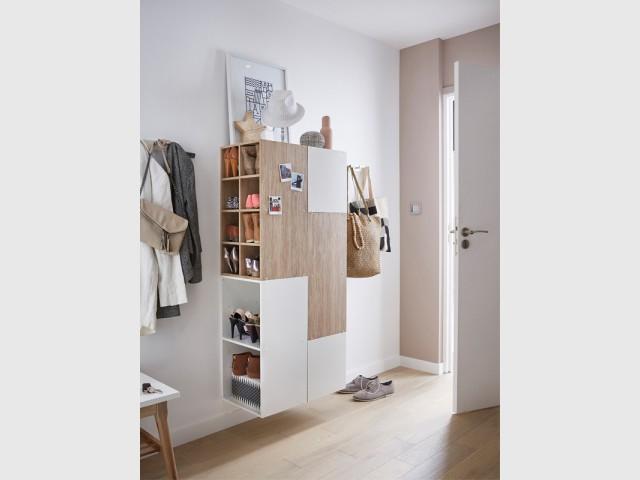 Installer deux meubles suspendus dos à dos  - Aménager son entrée