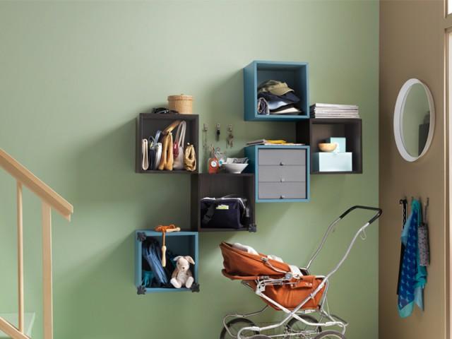 Installer une série de petits casiers en cascade - Aménager son entrée