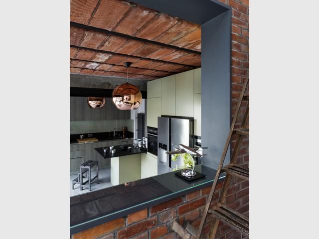 Un contraste osé parfaitement assumé - Une maison bourgeoise dévoile sa face cachée
