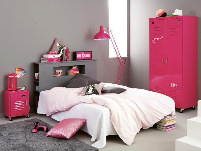 Une table de chevet en métal rose pour une chambre d'enfant rock - Tables de chevet originales pour une chambre d'enfant
