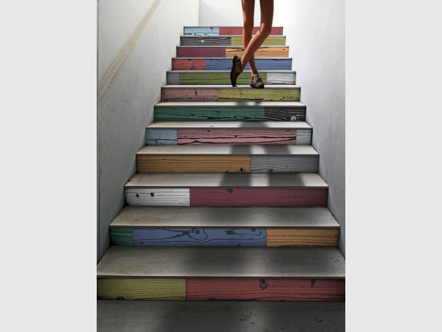 Du carrelage effet bois pour un escalier en patchwork - Escaliers personnalisés