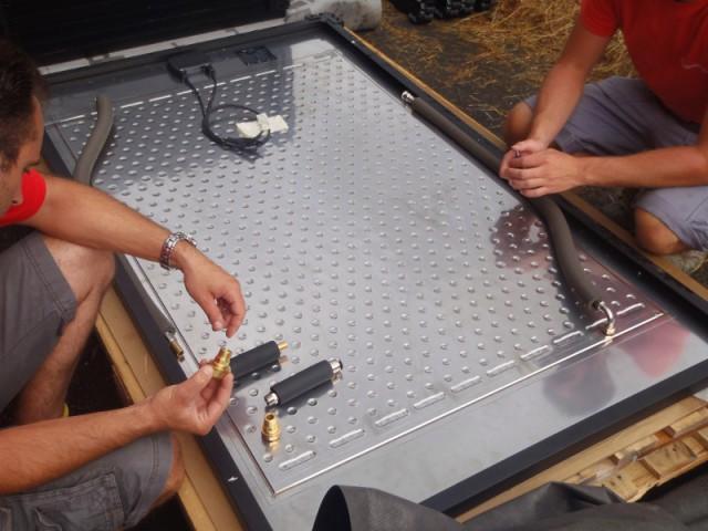 Un échangeur thermique intégré - Une maison avec panneaux solaires hybrides
