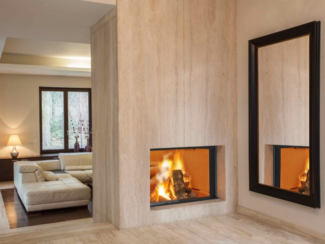 Une cheminée traversante pour les doubles séjours - Des cheminées de toutes les fomes