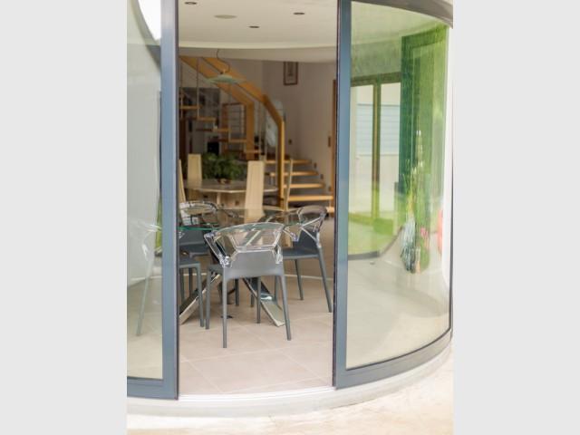 Modularité estivale - Une salle à manger dedans/dehors avec vue panoramique sur l'extérieur
