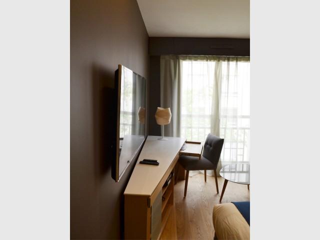 Eclairage et faux-plafond pour agrandir l'espace - Un 22 m2 plein d'astuces gain de place