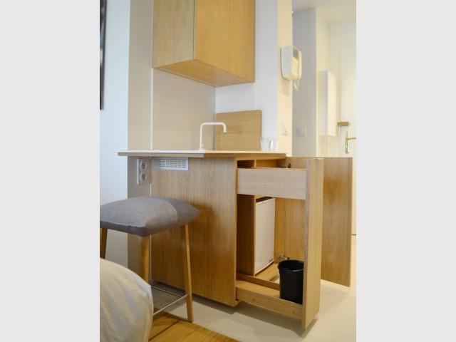 La cuisine déplacée - Un 22 m2 plein d'astuces gain de place