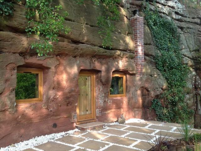 Une maison vieille de 800 ans - Rockhouse Retreat : la maison troglodyte de luxe