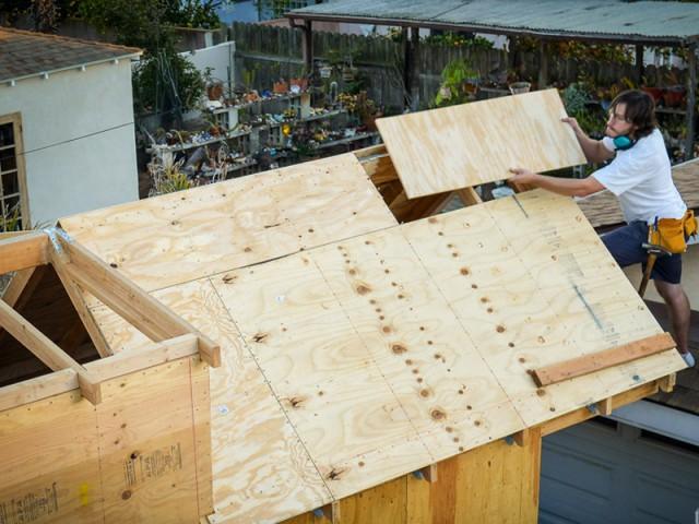 1.000 heures de travail pour construire la maison  - Tiny House Giant Journey