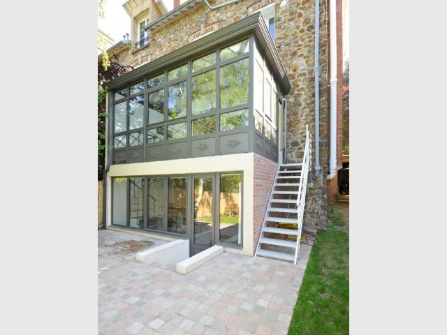 Une maison meulière typique mais contraignante - Extension véranda d'une maison meulière
