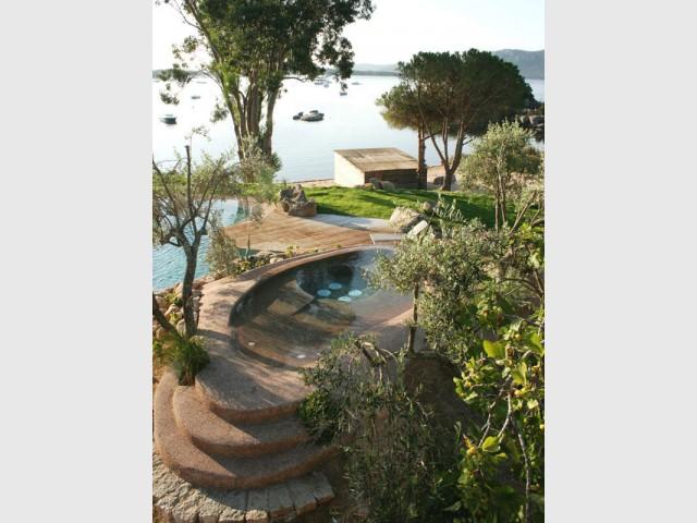 Catégorie Spa - Trophées de la piscine 2015 : Des piscines de rêve chez soi (1/2)