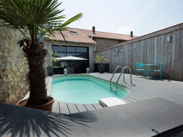 Catégorie piscine citadine inférieure à 30 m2 de forme libre - Trophées de la piscine 2015 : Des piscines de rêve chez soi (1/2)
