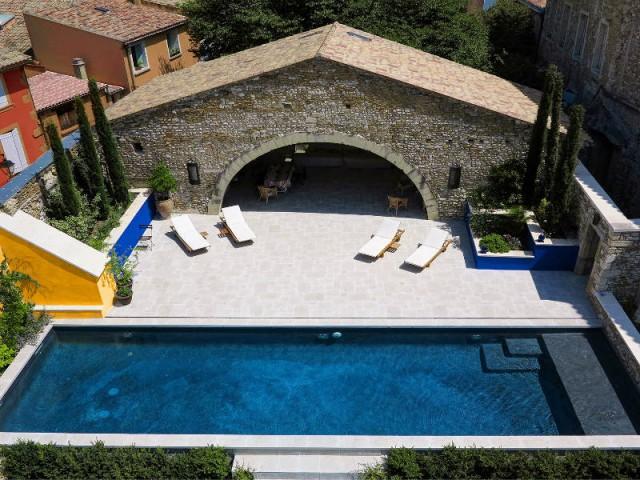 Catégorie piscine familiale de forme angulaire et couloir de nage - Trophées de la piscine 2015 : Zoom sur les plus belles piscines de France (2/2)