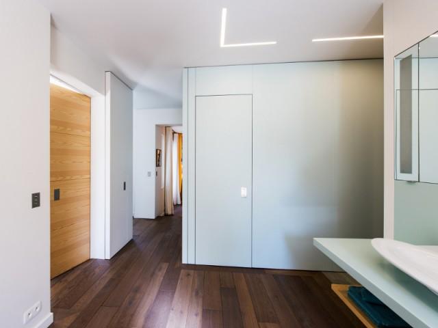 Passer du loft à l'appartement cloisonné en une seconde - Système Elezio