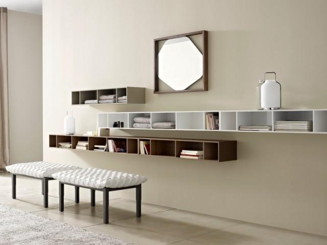 Un miroir dans un cadre pour un espace lecture décalé - Des miroirs dans mon intérieur