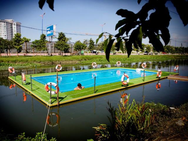 Une piscine flottante qui s'installe sur n'importe quel plan d'eau - Mobipool