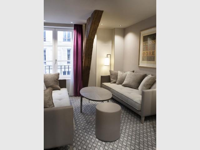 Une poutre apparente pour dévoiler l'histoire du lieu - Hôtel La Lanterne - Paris