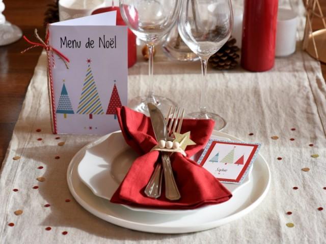 Un rond de serviette naturel et des menus personnalisés - Déco de Noël DIY
