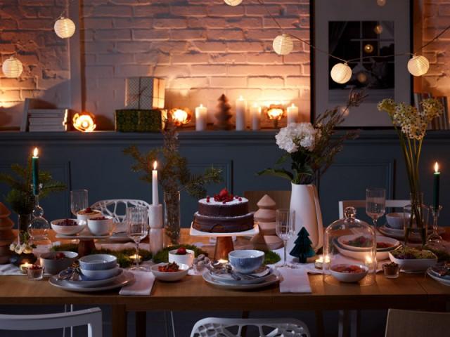 Des objets lumineux au ras du mur pour une ambiance de Noël - Une maison illuminée pour Noël