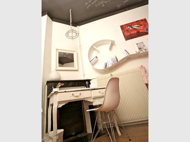 Une chambre au plafond personnalisable - Un Haussmannien dynamisé par un joyeux mélange