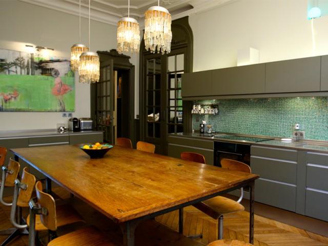 Une cuisine salle à manger - Un Haussmannien dynamisé par un joyeux mélange