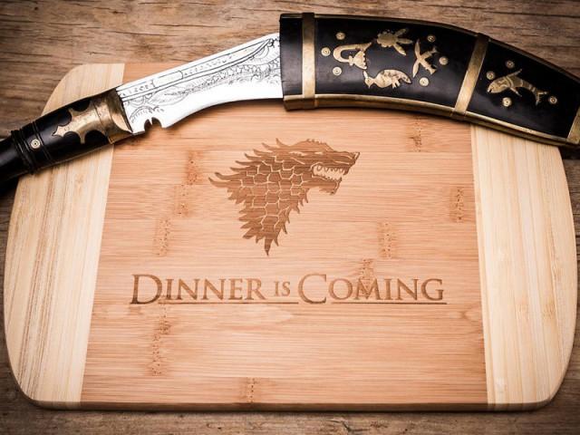 """Une planche à découper """"Winter is coming"""" pour les fans de Game of Thrones - Noël 2015 : nos coups de coeur"""
