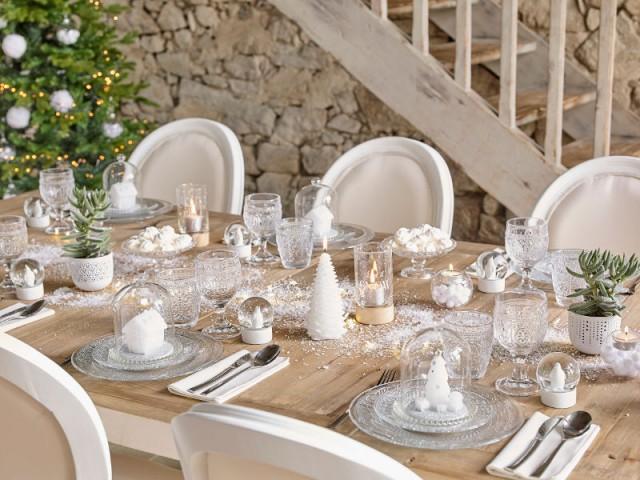 Une table de Noël blanche et épurée - Tables de fêtes 2015