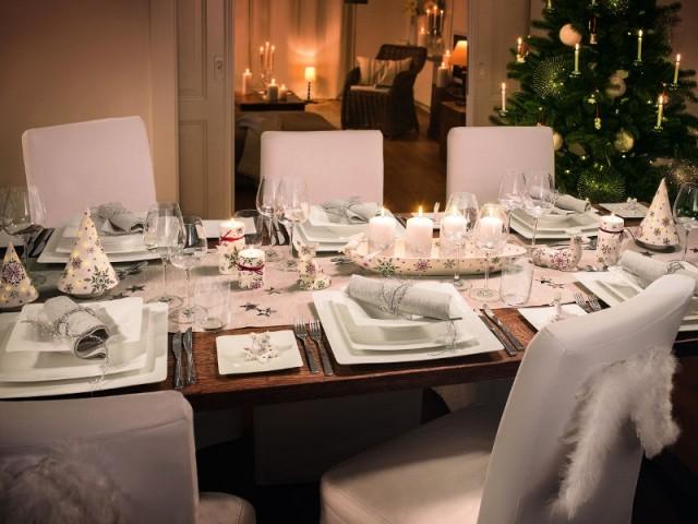 Une table de Noël sobre et contemporaine - Tables de fêtes 2015