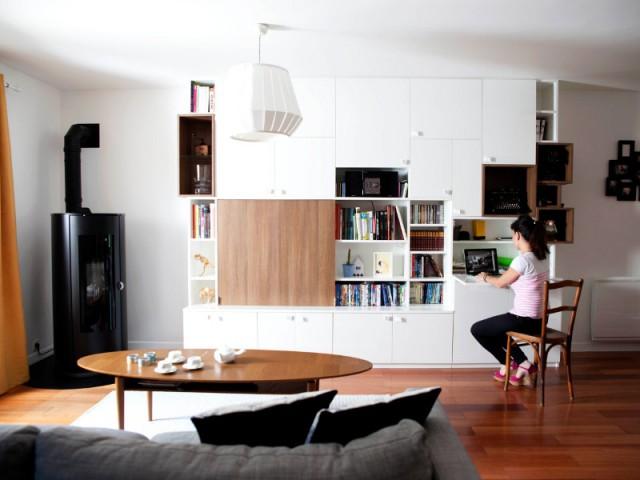 Un intérieur plus cosy grâce à l'ajout d'un poêle à bois - Maison de famille signée DamDamDesign