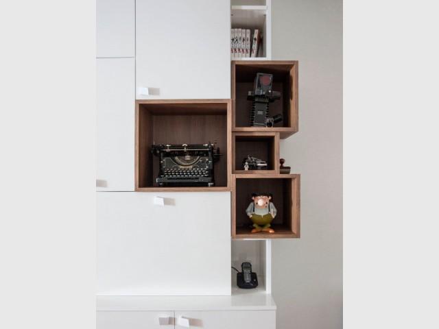 Des rangements spécifiques pour un meuble à vocation familiale - Maison de famille signée DamDamDesign