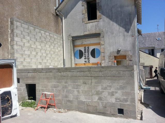 Une structure bétonnée pour accueillir la véranda à toiture plate - Véranda Extens'K