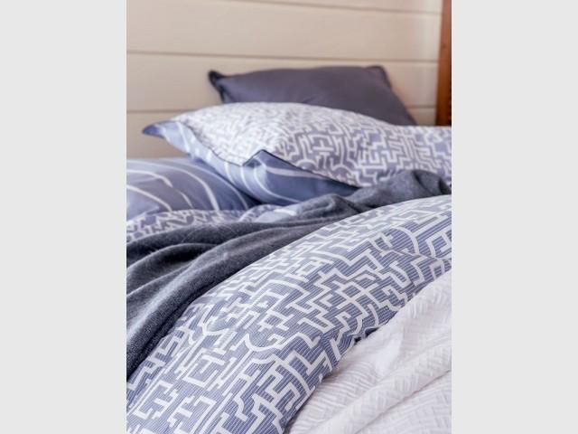 Une parure de lit bleu Serenity - Tendance Rose Quartz et Serenity