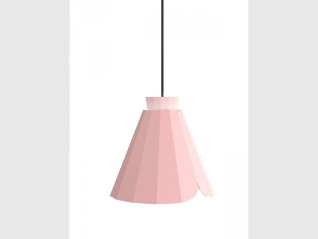 Une suspension géométrique rose Quartz  - Tendance Rose Quartz et Serenity