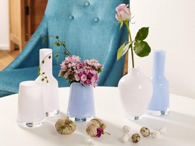Des mini vases rose Quartz et bleu Serenity - Tendance Rose Quartz et Serenity