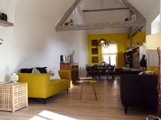 La salle à manger, dans la continuité du salon - Maison vigneronne rénovée