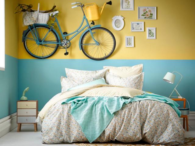Un vélo accroché au mur - Des chambres vraiment originales