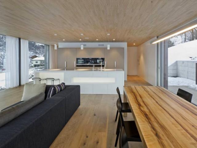 1 chalet moderne performant et ouvert sur la montagne for Fenetre rectangulaire cuisine